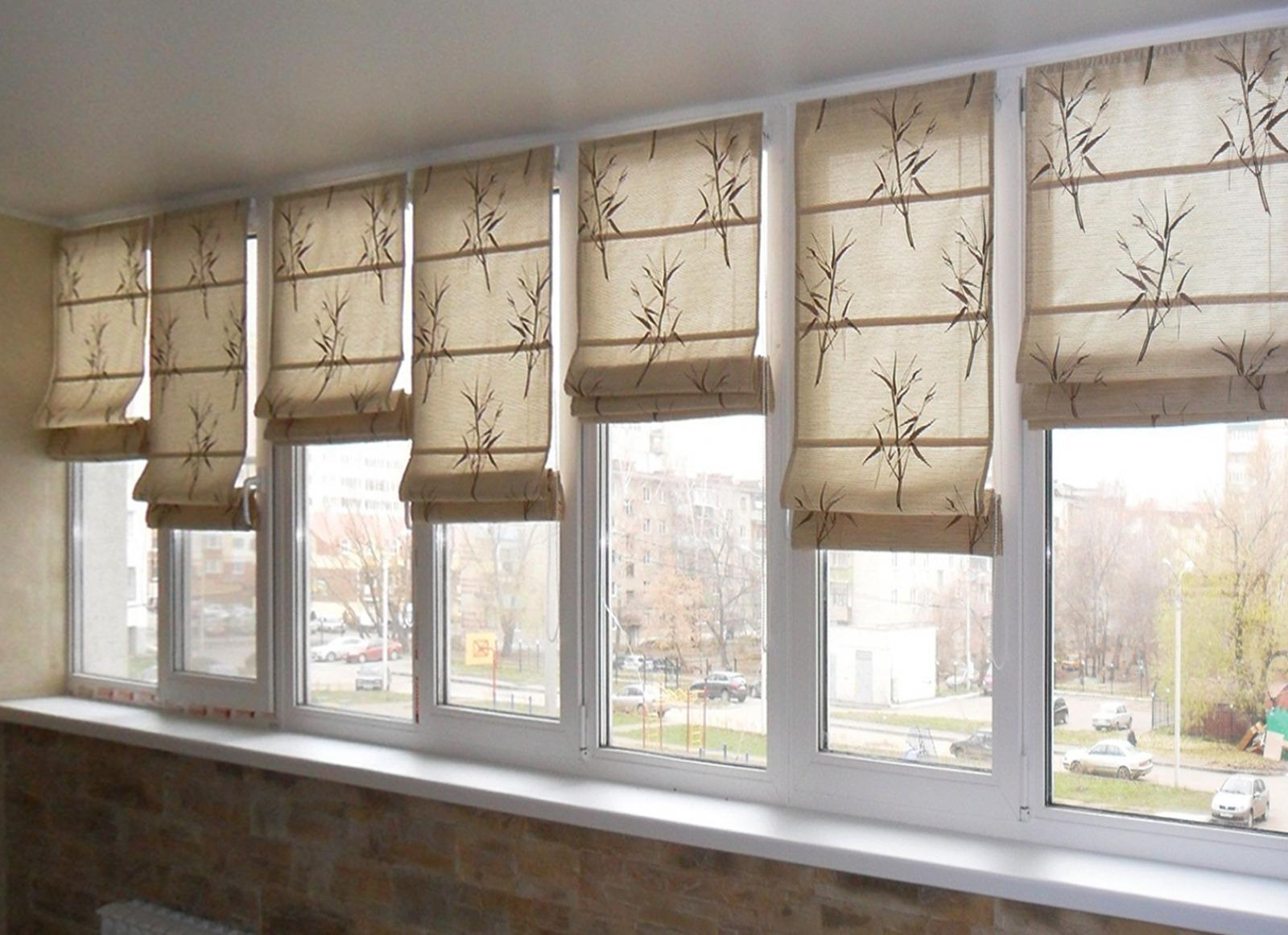 Дизайн штор на балкон, фото интересных решений для занавесок.